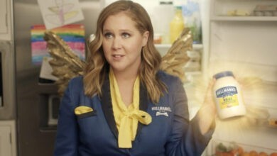 Photo of Fairy Godmayo Amy Schumer Revives Leftovers in Hellmann's Super Bowl Ad